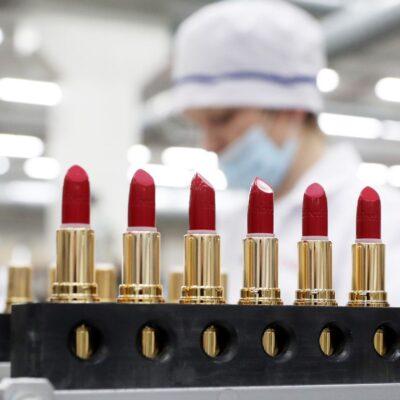 دبلومة صناعة الميك اب.. كل ما تريد تعلمه عن Makeup