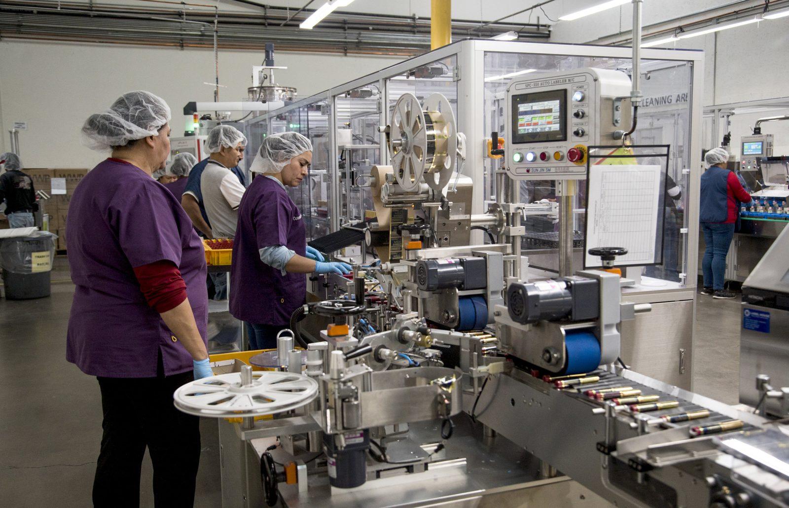 مصانع تصنيع مستحضرات التجميل